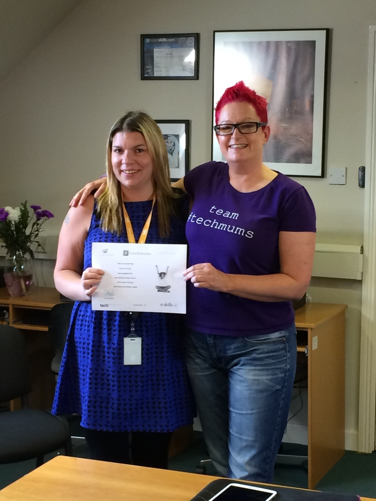 Presenting the wonderful Sinead Kelly from An Cosan with her #techmums trainer certificate